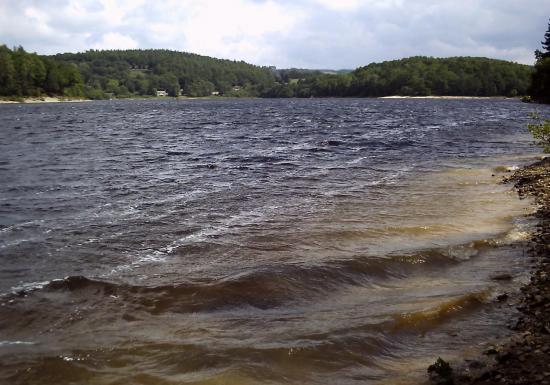 Le lac de Viam en colère auteur g.o.