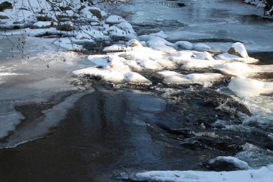 Vézère gelée février 2012 auteur g.o.