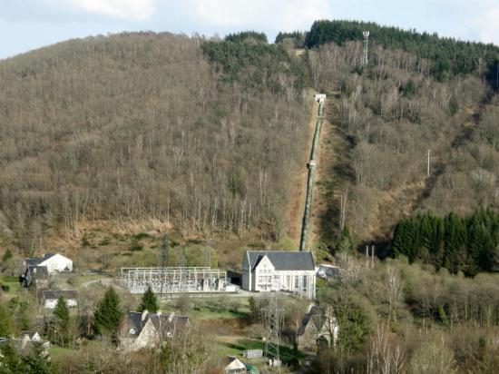 barrage-monceaux-1.jpg